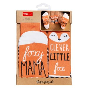 002) Foxy mama, clever little fox
