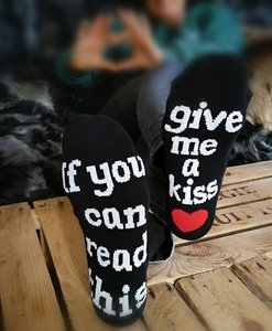 IF YOU CAN READ THIS...give me a kiss